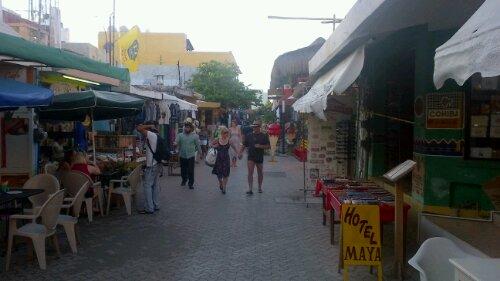 la isla mujeres downtown